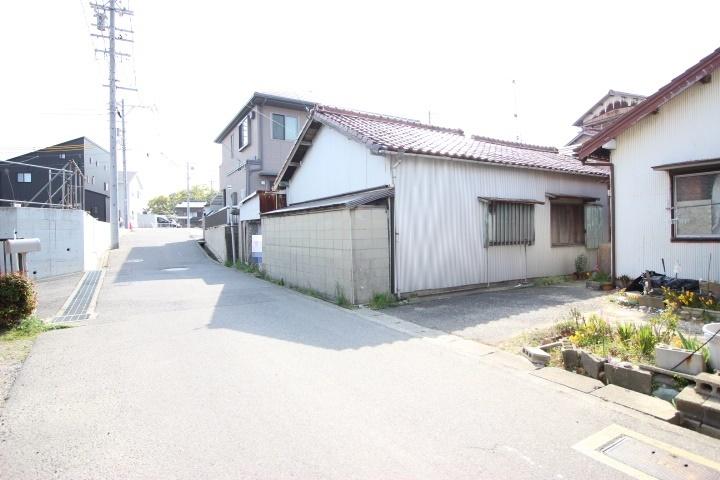●乙川小学校まで徒歩9分(約650m) ●乙川中学校まで徒歩14分(約1100m)