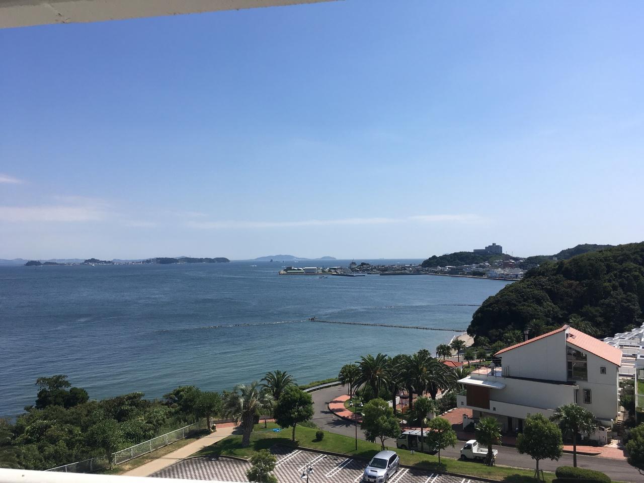 晴れた日にはバルコニーから日間賀島や篠島などが眺望できます
