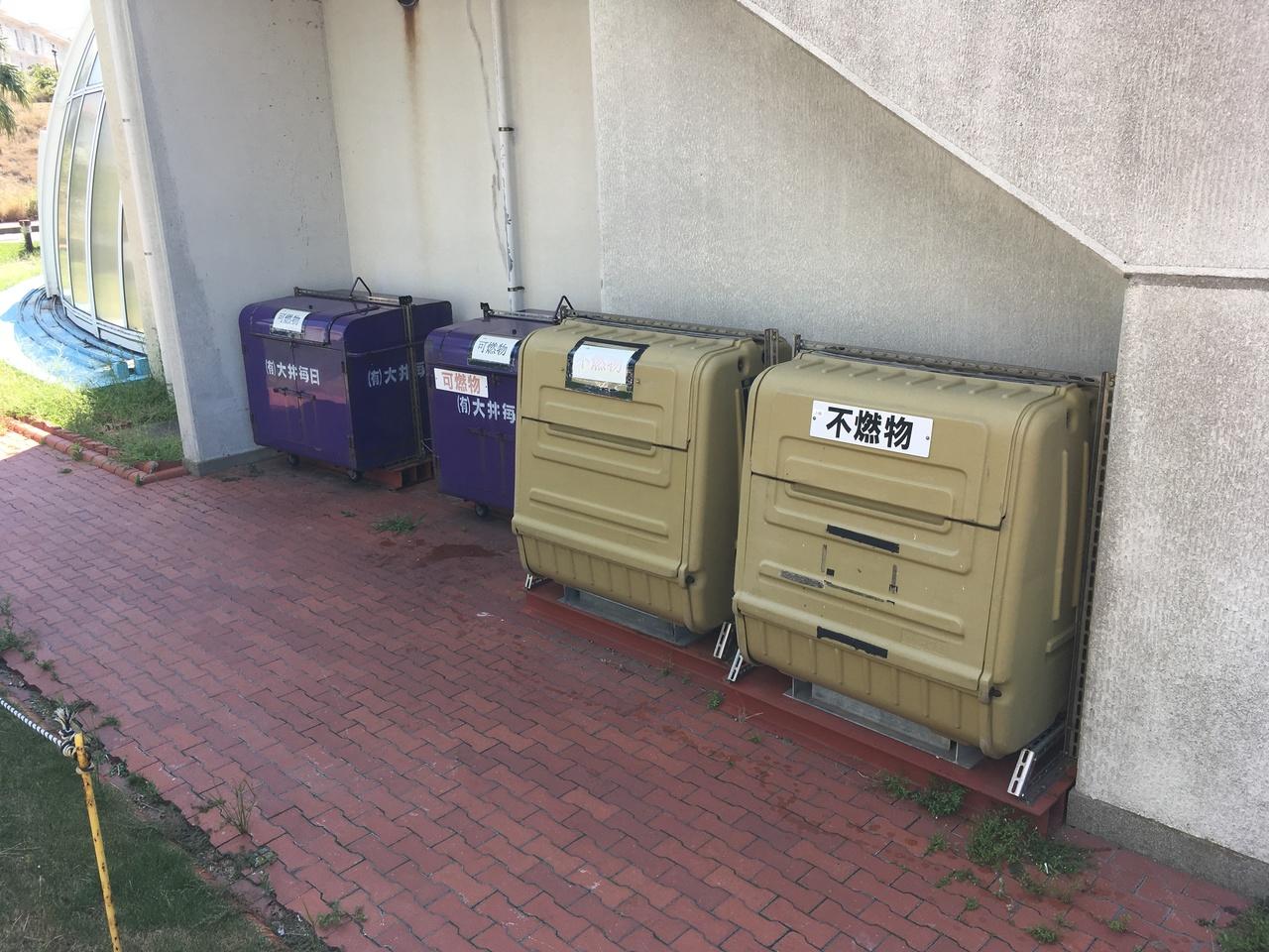 ゴミ出し場になります