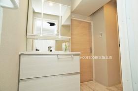 清潔感のある洗面室です♪  「お家探し」「ご売却」は 地域密着型不動産  淀川区に強い『ハウスドゥ!新大阪北店』におまかせ下さい!