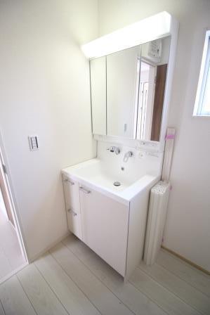 ☆清潔感のある白色洗面台☆
