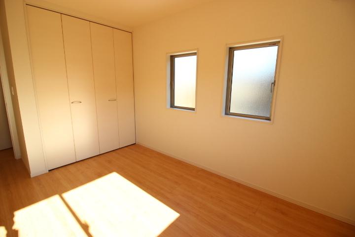 2階 6.5畳洋室 クローゼットのついた使い勝手の良い洋室です