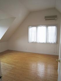 2階 洋室11.25帖