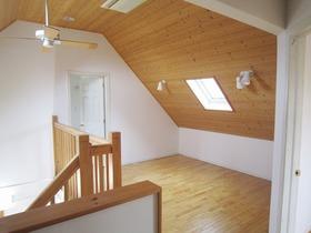 2階 ホールスペース1