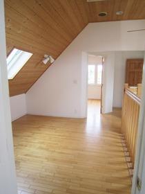2階 ホールスペース2