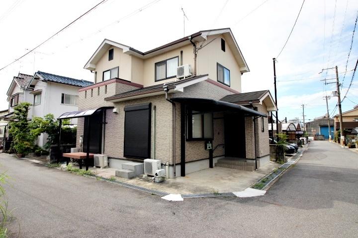 治田小学校まで徒歩約15分(約1130m)です。お子様の通学にも安心ですね。