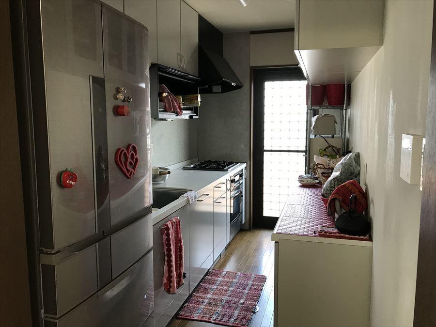 居間とキッチンが分かれているので、寛ぎの場所とお料理の場所をわけることができます◎