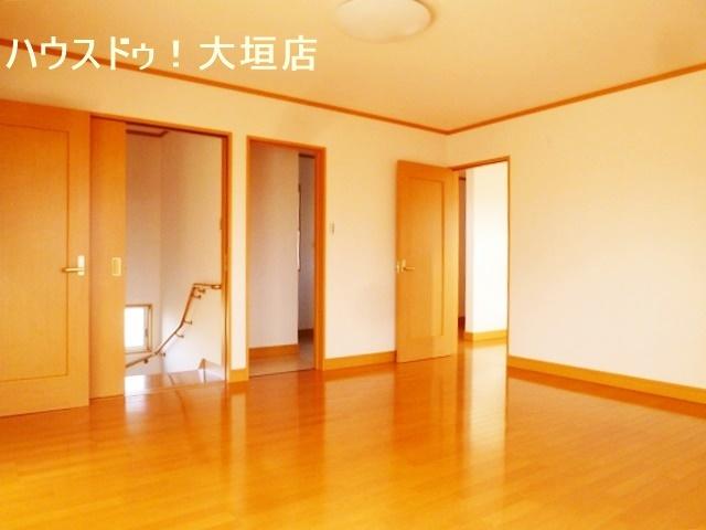 2階ファミリースペース。お子様の遊びやご趣味のスペース、雨の日のお洗濯のスペースなど多目的にお使い頂けます。