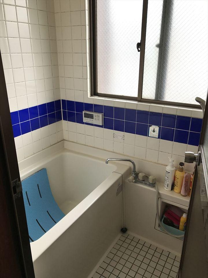浴室には窓が付いていますので、換気ができ、湿気を逃がします!リフォームのご相談も承っておりますので、ぜひお問い合わせ下さい♪