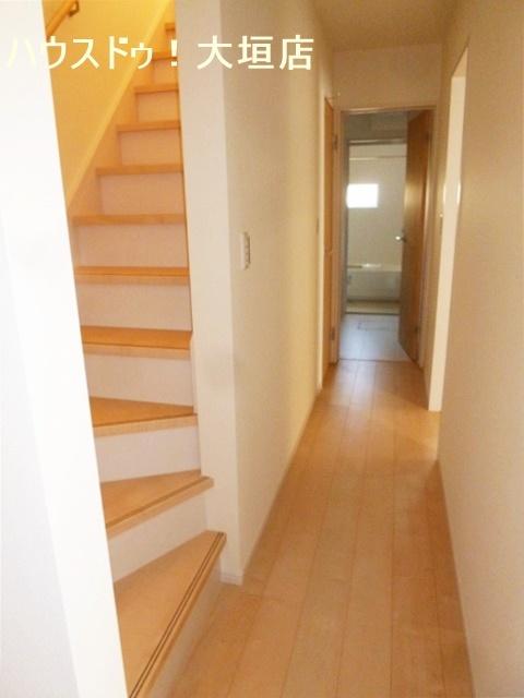 5畳の和室が備わった4LDKのお家です。