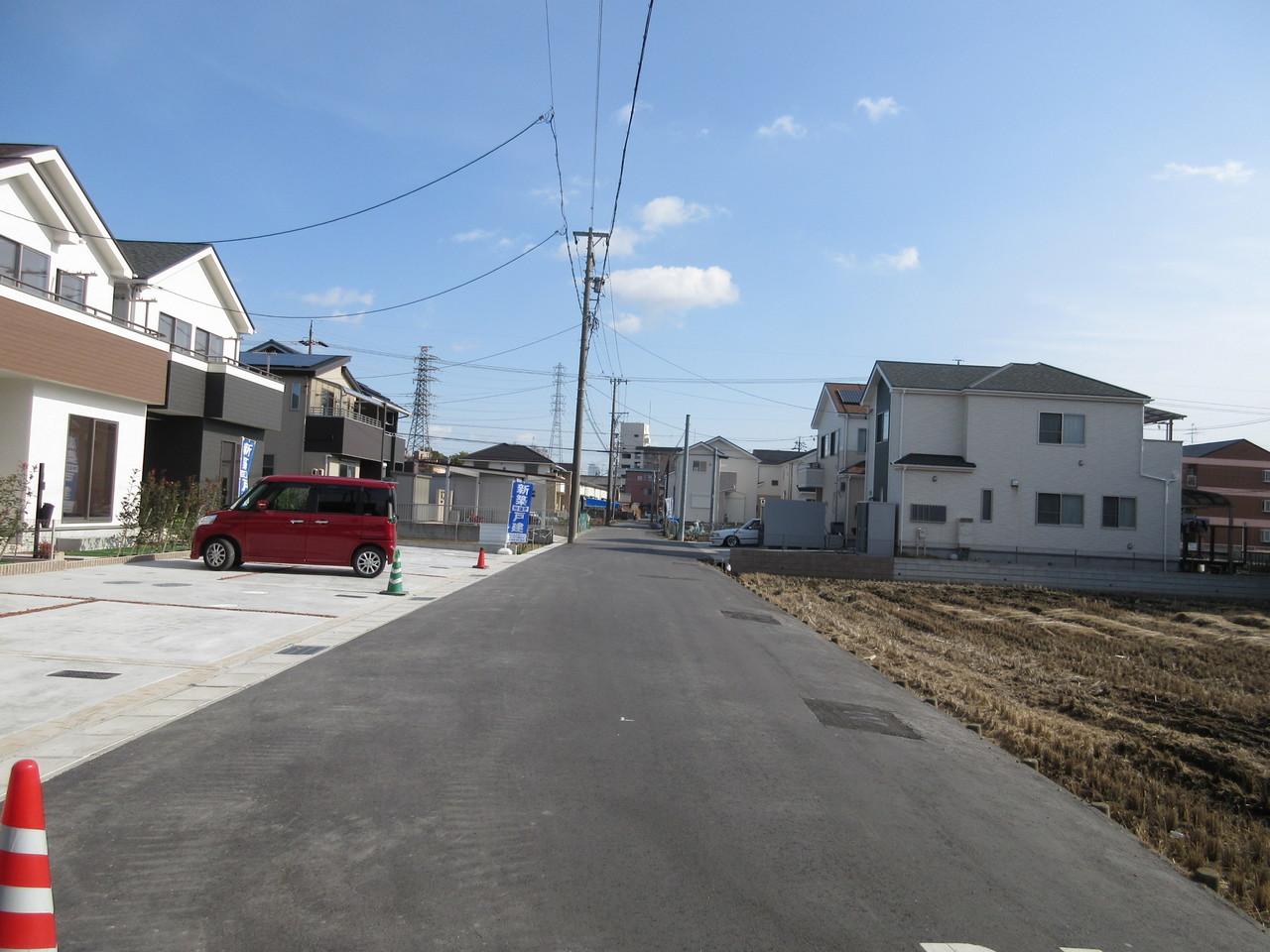 前面道路は綺麗に整備されています◎