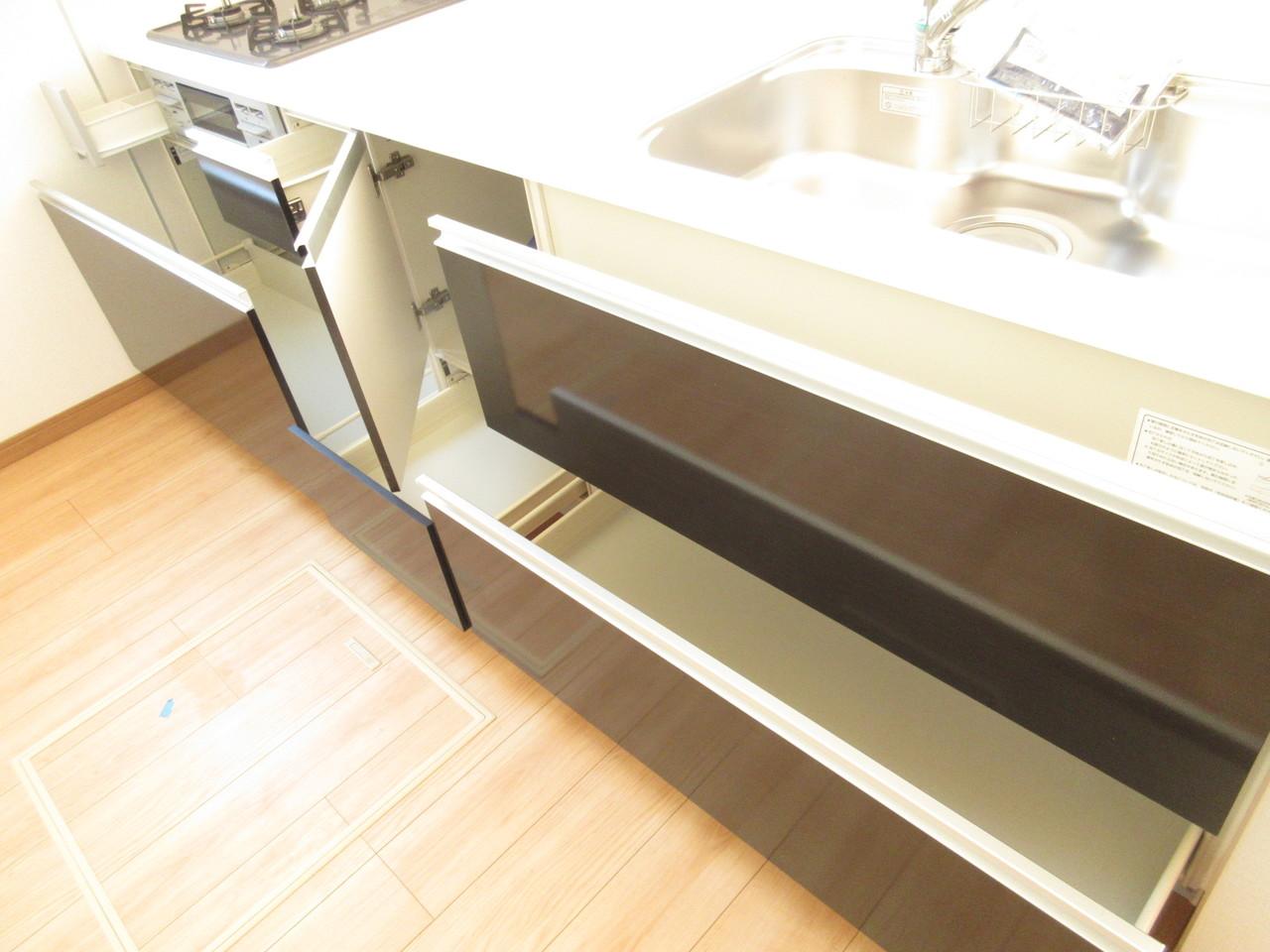 収納スペースもしっかりございます◎収納上手でお料理スペースもしっかり確保できます♪