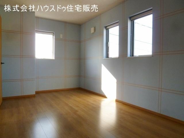 6.5帖の洋室。各お部屋にクローゼットが備わり家族一人ひとりの収納スペースを確保。