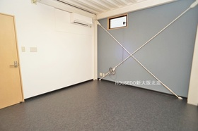 2階7.2帖の洋室部分。 こちらもアクセントクロスがオシャレです♪