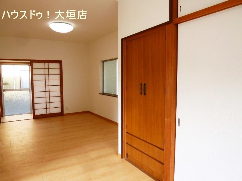 1階洋室。収納が備わり、寝室としてお子様の遊び部屋としていかがでしょうか。