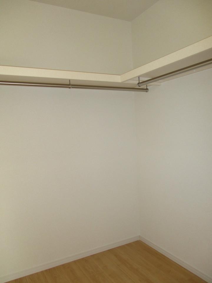 ウォークインクローゼット付き!お部屋もすっきり片付けられます