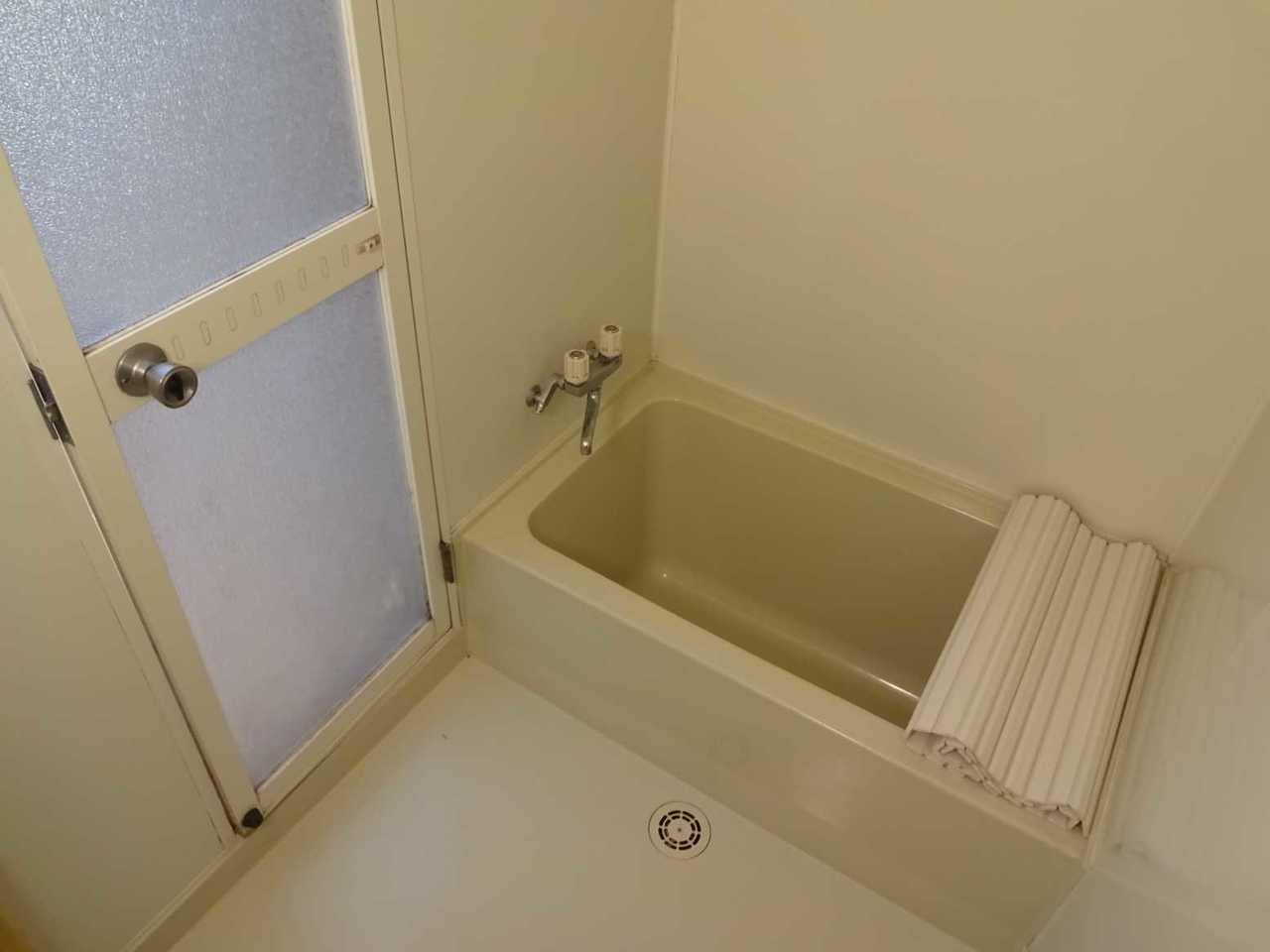 千歳市柏陽の中古戸建です。浴室。