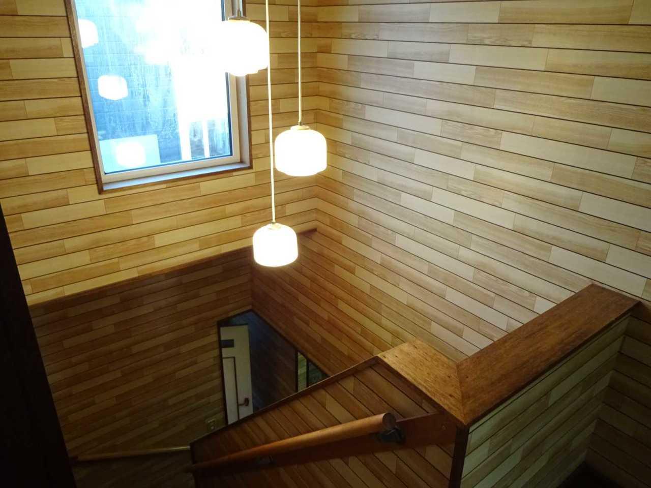 千歳市柏陽の中古戸建です。階段室。