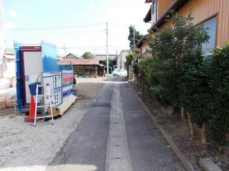 横須賀小学校まで徒歩約10分! お子様の通学も安心です♪