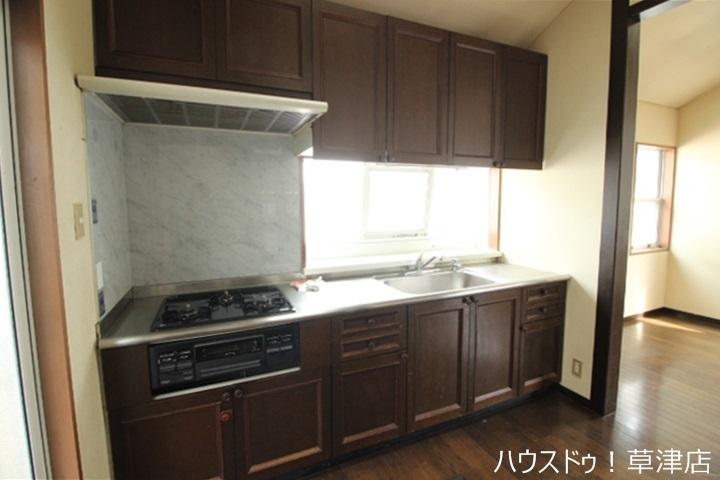 システムキッチンなのでお手入れ簡単ですよ。毎日綺麗なキッチンでお料理できますね 。
