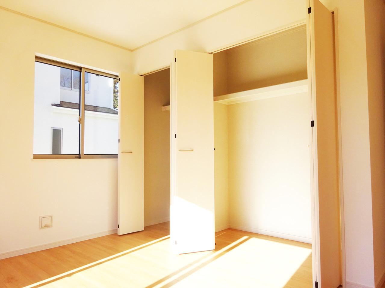 1階洋室収納は圧巻です!お荷物たっぷり収納できます!!