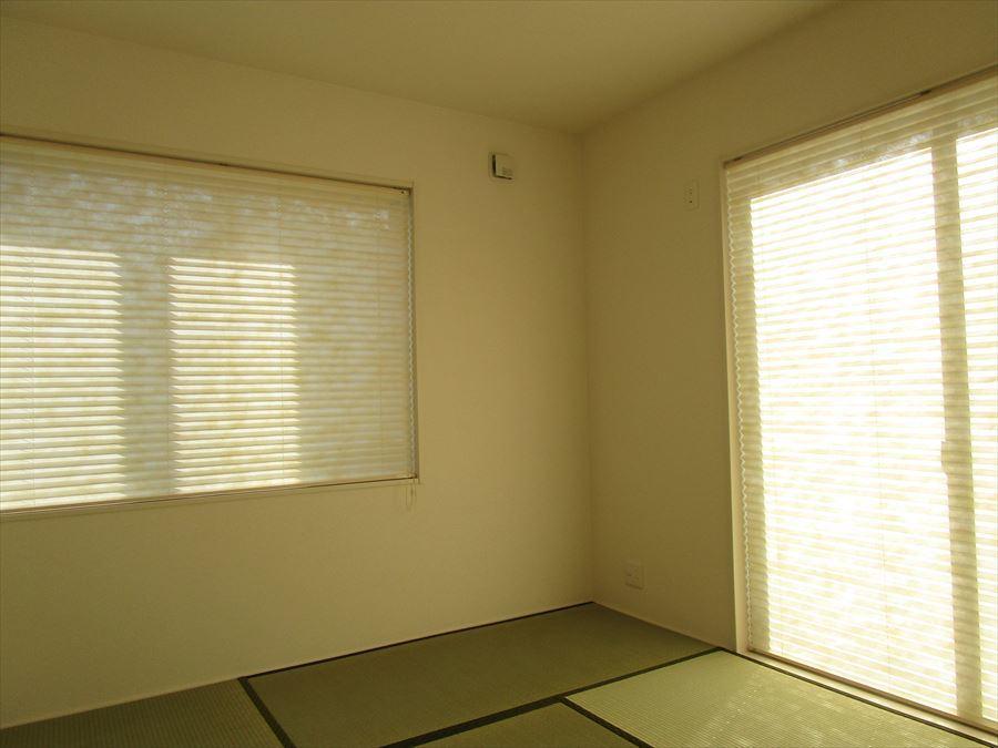 客間としても家族のくつろぎの部屋としても、使い方いろいろです!フローリングの良さとはまた違う良さが畳にはありますね◎