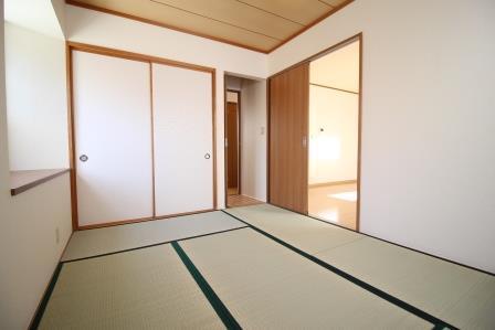 ☆出窓付き・6帖の和室☆