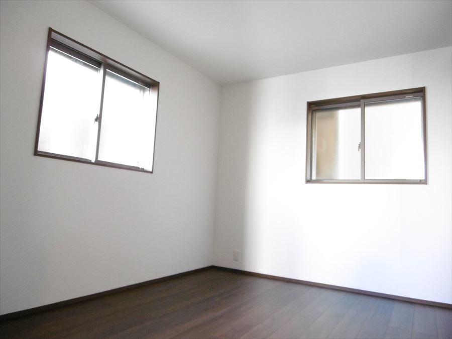 1階には納戸があります。荷物置場としても、居室としても利用できます。