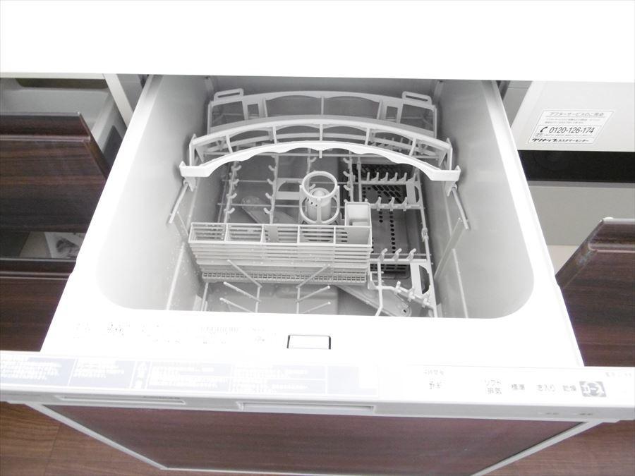 キッチンには女性に嬉しい食洗機付。時短にもつながりますね!