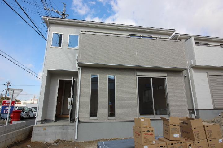 【外観写真】 新築戸建 知多市新知字脇島 1号棟 間取り  3LDK+畳コーナー 駐車スペース  2台分あります。