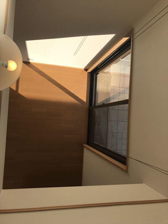 2階からの吹抜けの様子です。開放的で心地よい空間♪なかなか無い造りですね(^^)