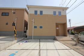 【外観写真】 新築戸建 知多市新知字脇島 7号棟 間取り  3LDK 駐車スペース  2台分あります。