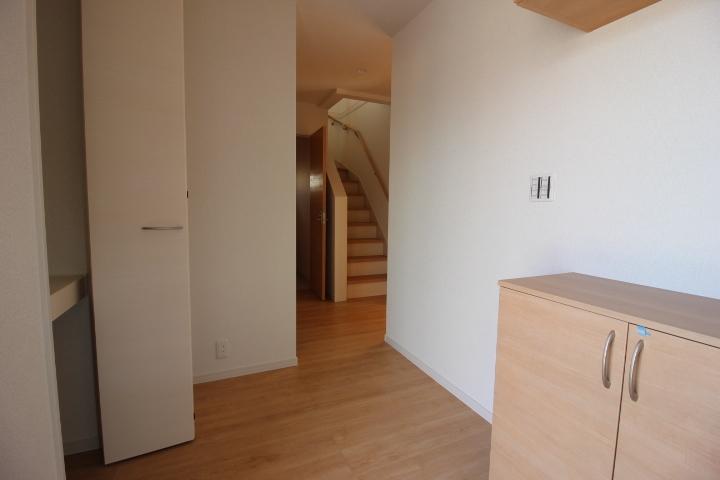 玄関スペース シューズインクロークとシューズボックスでスッキリ玄関が実現。