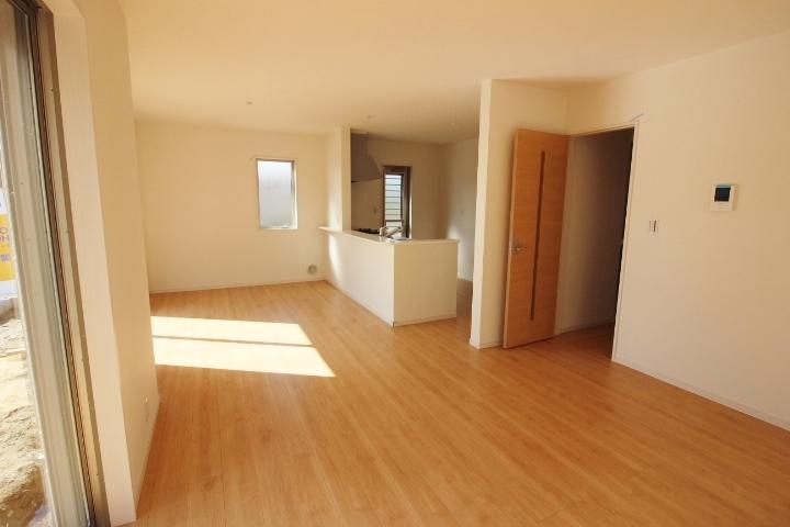 リビング、18.75帖 お気に入りの家具を置いてもゆったりスペース