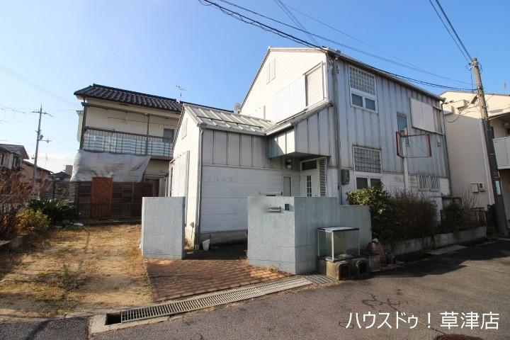 JR草津駅まで徒歩10分の立地です。