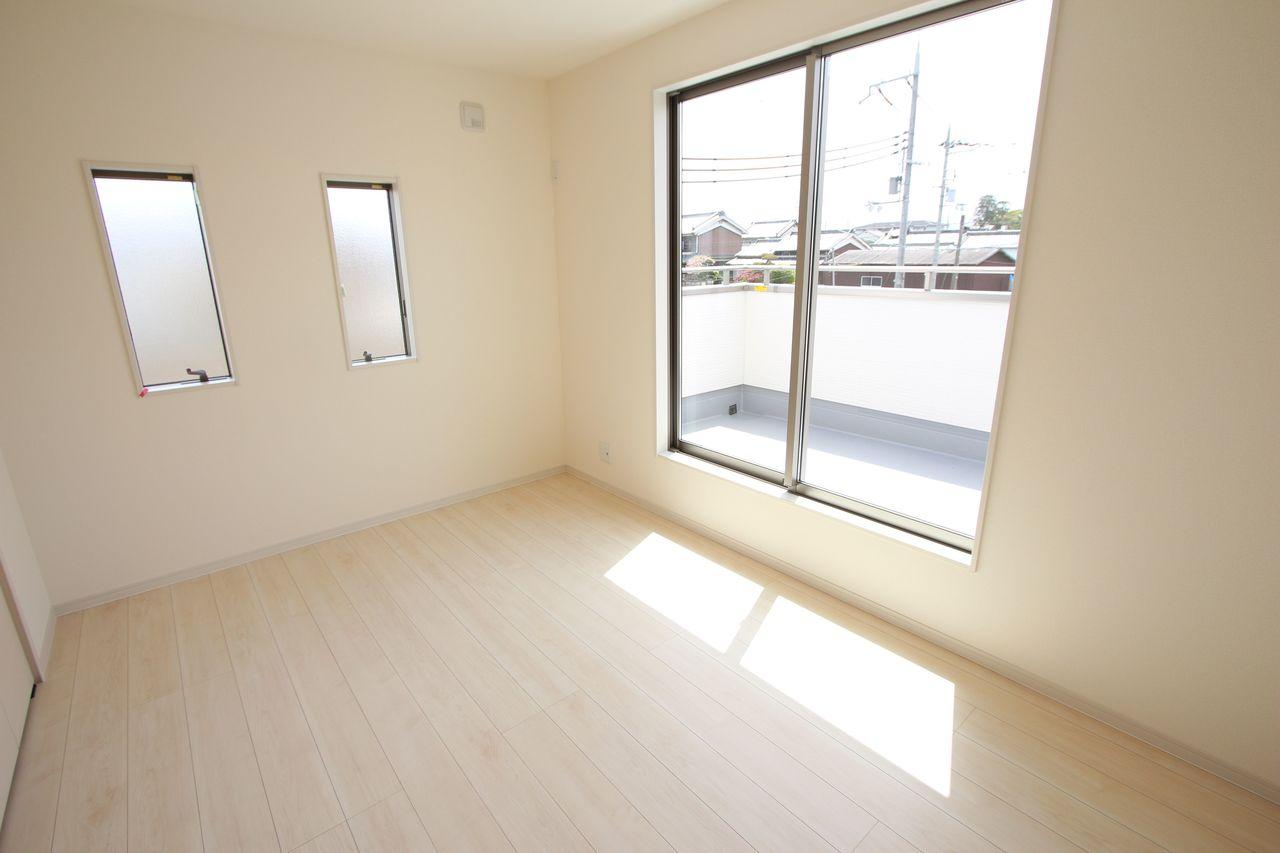建売住宅で8帖の和室はなかなか ございません。 同居をお考えの方にお勧めの間取りです。 (同社施工例)