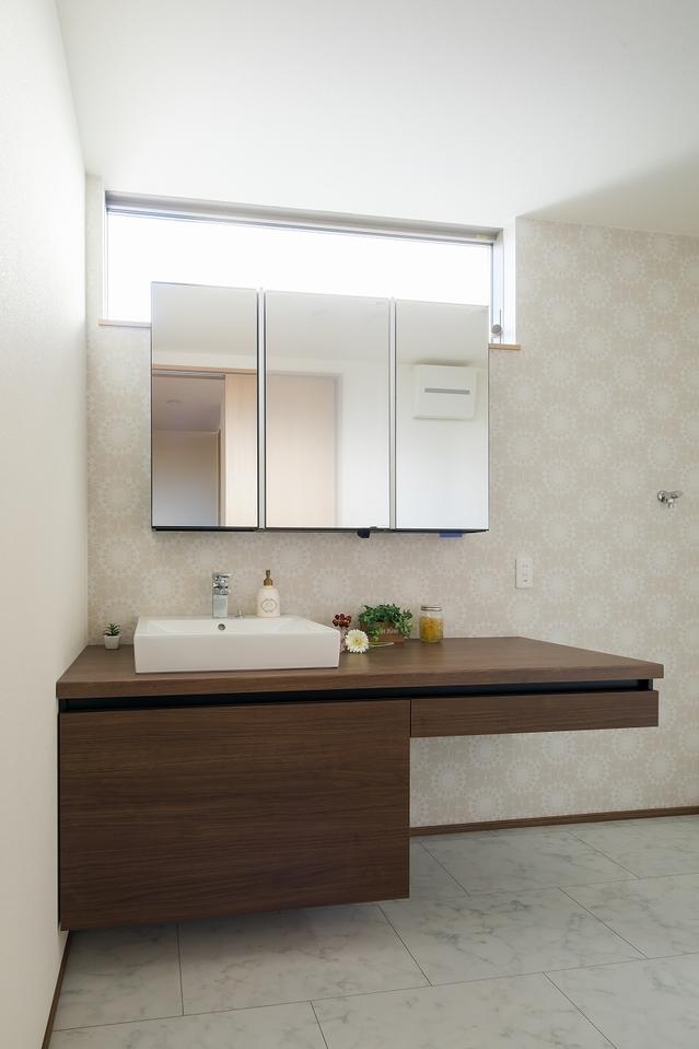 いつでも居室内をフレッシュな空気で満たすために、空気の流れを良くする24時間換気システムを装備しています。