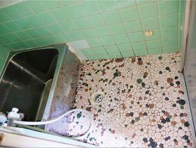 レトロ感あふれるタイルがオシャレなお風呂です 1日の疲れを癒してください