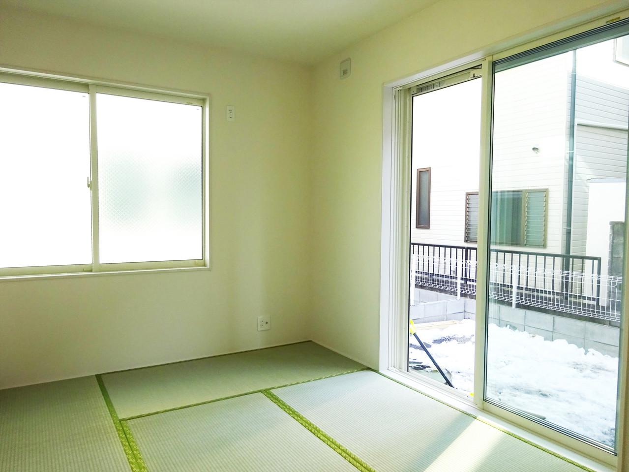 和も感じられる間取り。リビングから繋がる和室はエリアによって違った雰囲気を味わえるようになっています◎畳が気持ちよさそうです(^^)