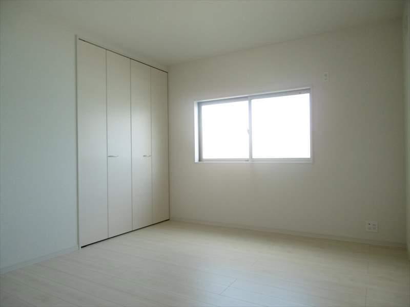 北西7帖居室にも収納完備!主寝室にいかがでしょうか(^^)♪