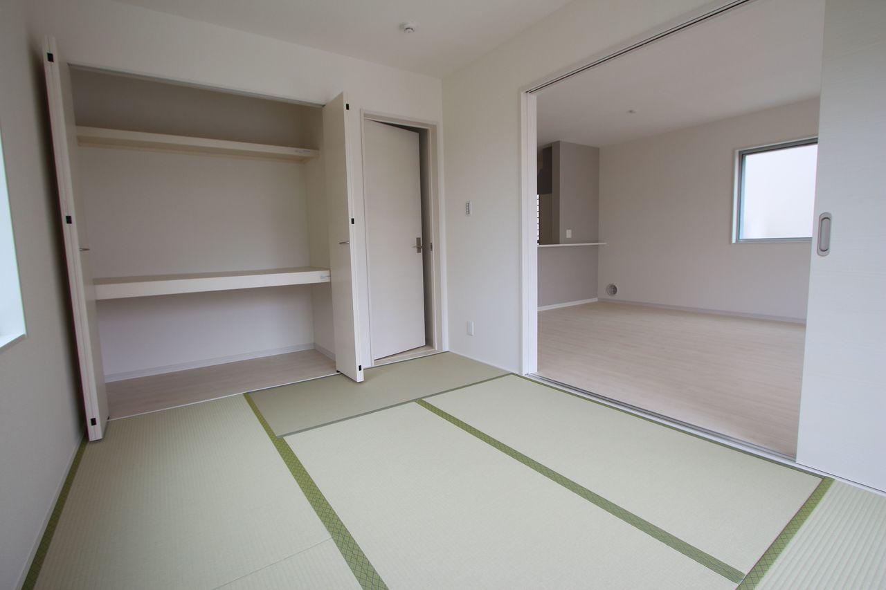 押入れのある和室は寝室や客間として 大変便利にご利用頂けます。 (同社施工例)