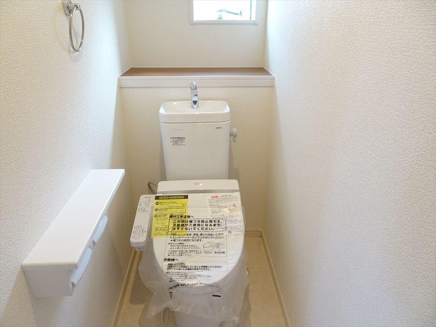 1F2Fのトイレは温水洗浄便座機能付きです。