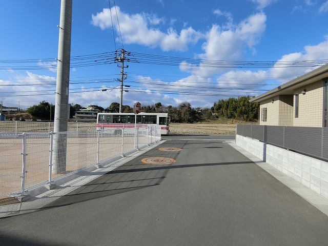 角地となります。 駐車場は楽々2台が駐車できるスペースを確保してます。