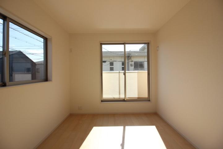 2階居室は全居室6帖以上。 お部屋が広く使えますね。
