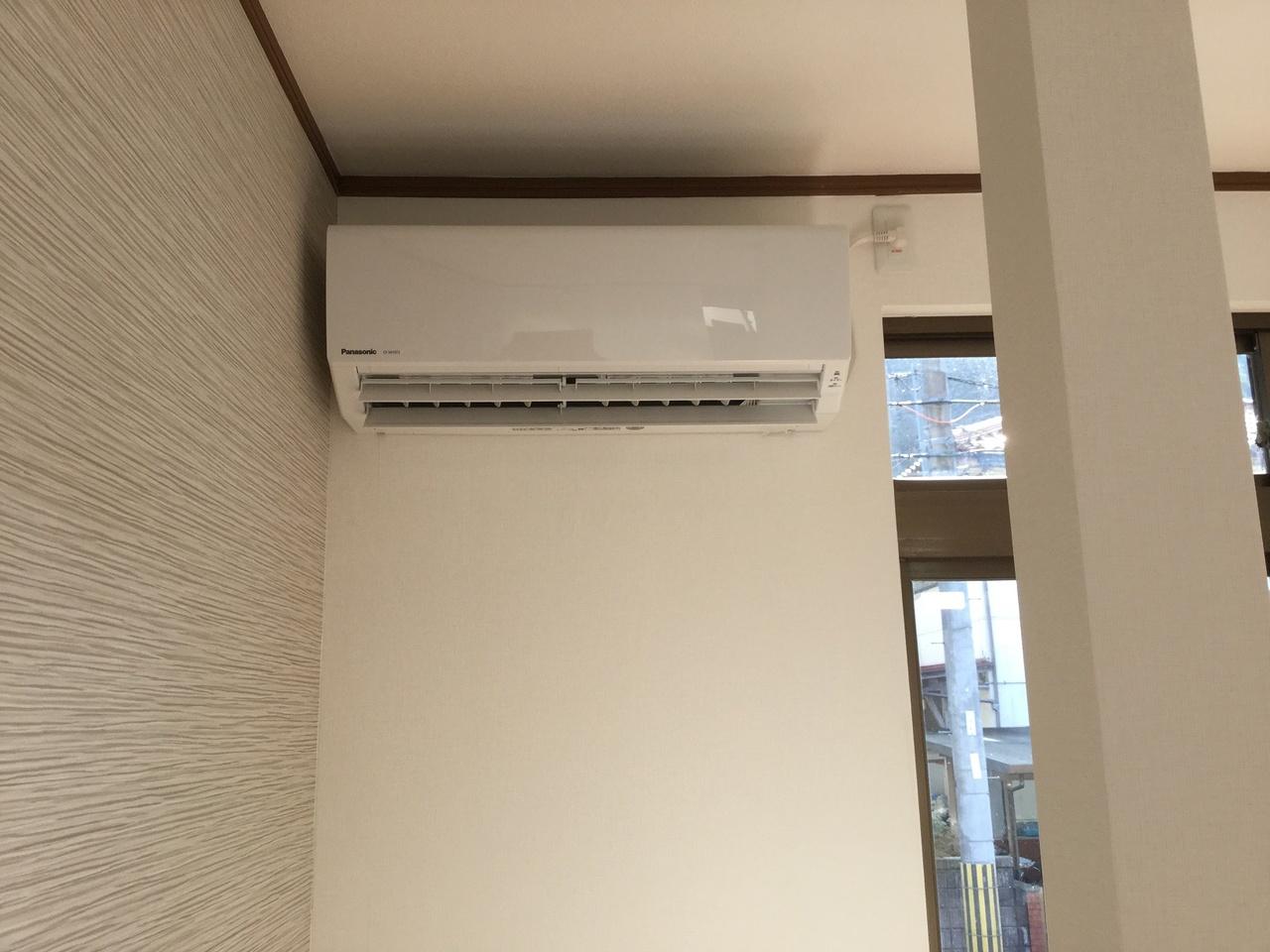 リビングに新品のエアコン設置済み!