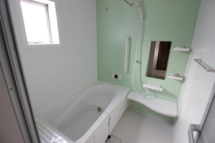ランドリーパイプと浴室乾燥機で雨の日のお洗濯も安心。花粉の季節も重宝しますね。