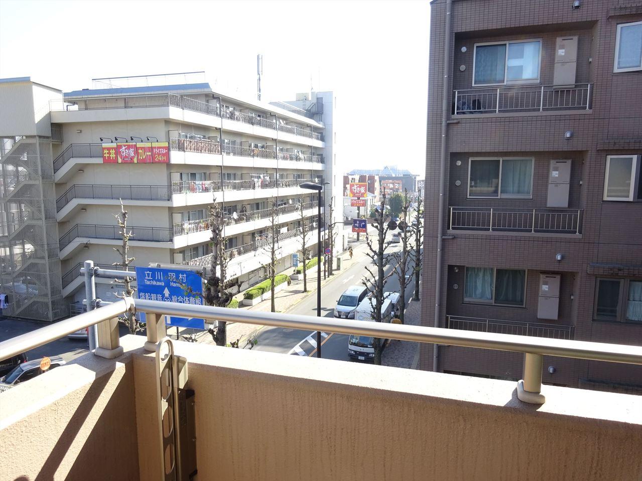 眺望良好!風通し良好!4階なので、心地よい風がお部屋を通り抜けそうですね。