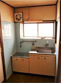 キッチン 大きな窓が付いているので、料理の匂いがこもることはありません!