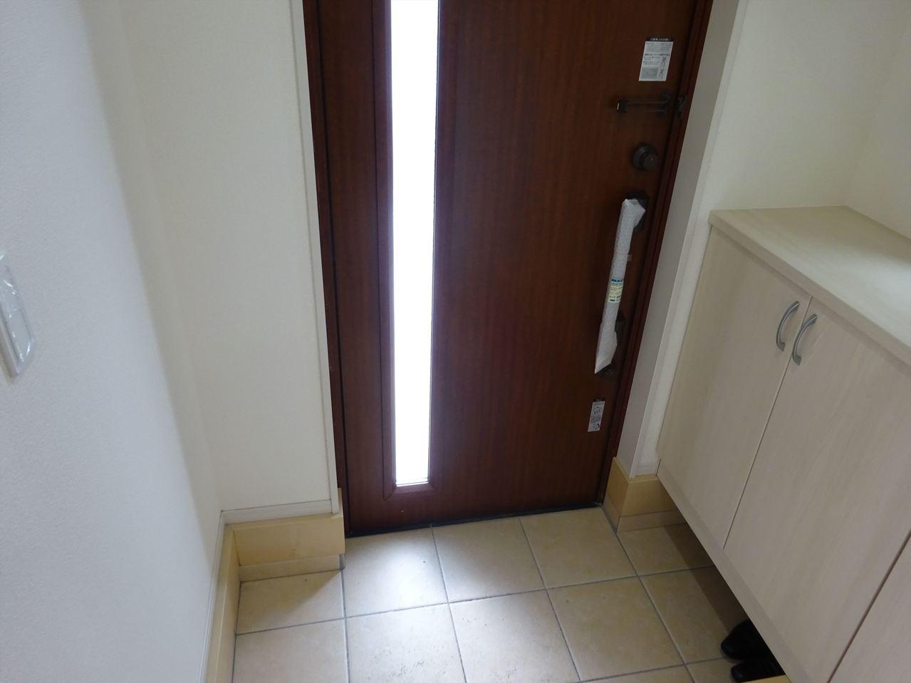 玄関収納、たっぷり収納できます。ホールも広々開放感がある玄関!