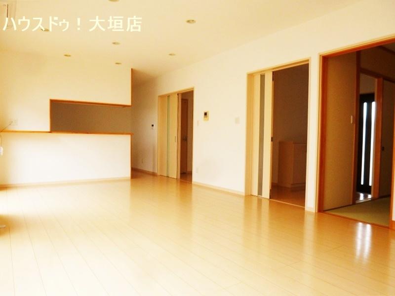 和室、玄関、洗面浴室への動線がスムーズな間取りです。